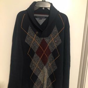 Tommy Hilfiger pull over sweater